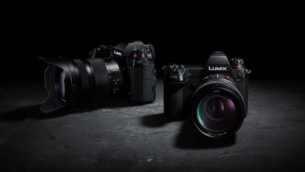 Panasonic Launched Lumix S1 and S1R Mirrorless Cameras in market