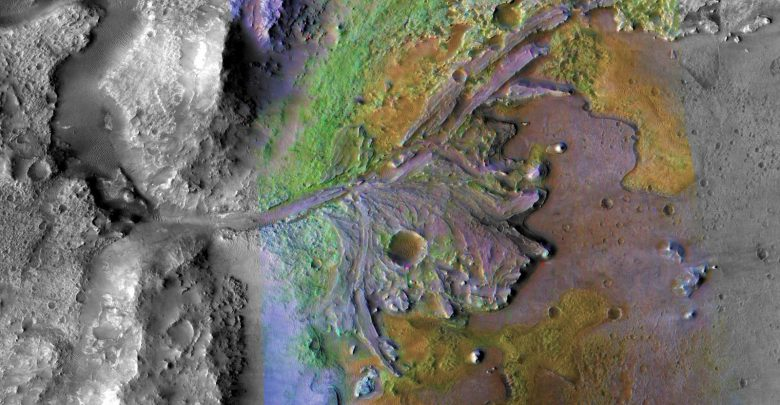 Pictures from NASA Reveal Existence of Ancient Rivers on Mars
