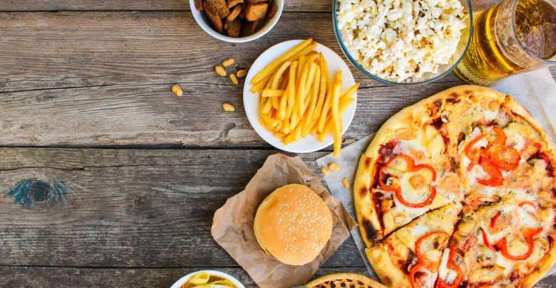 Study Finds an Evident Link Between Eating Ultra-Processed Food, Overeating, and Obesity