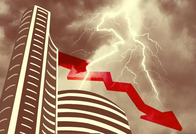 Sluggish market before GDP figures, Sensex drops 300 points, Nifty drops too