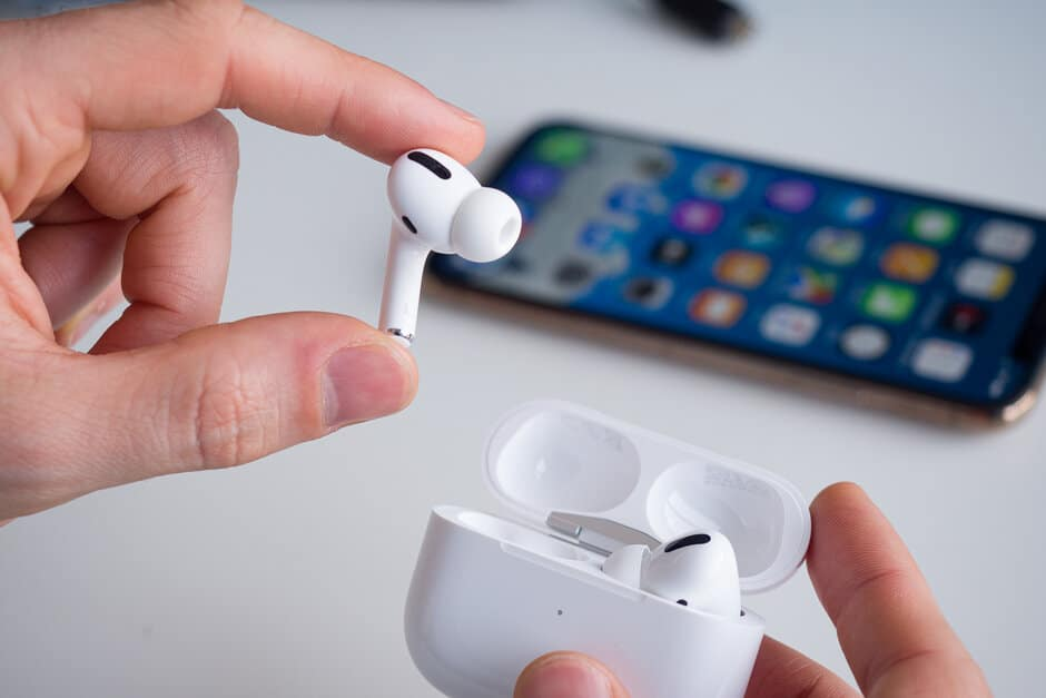 AirPods Pro will now have Spatial Audio and will magically switch between devices