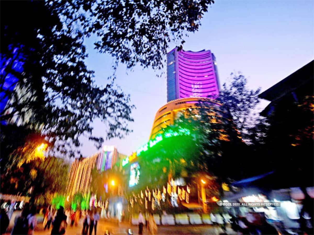 Brightness in the stock market, Sensex crosses 33000 and Nifty 9800