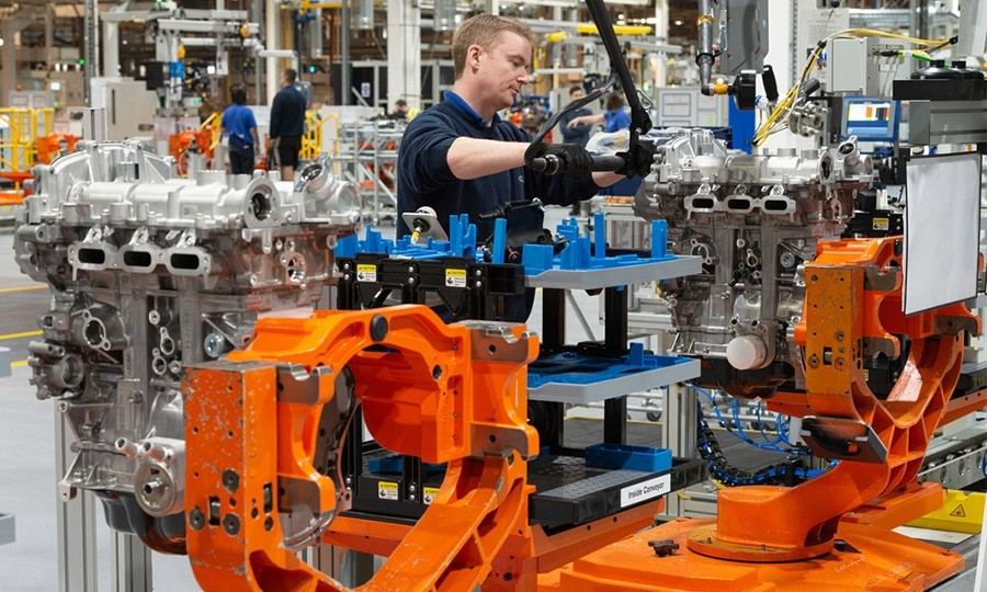In the absence of an agreement with the European Union, Nissan will close its plant in UK