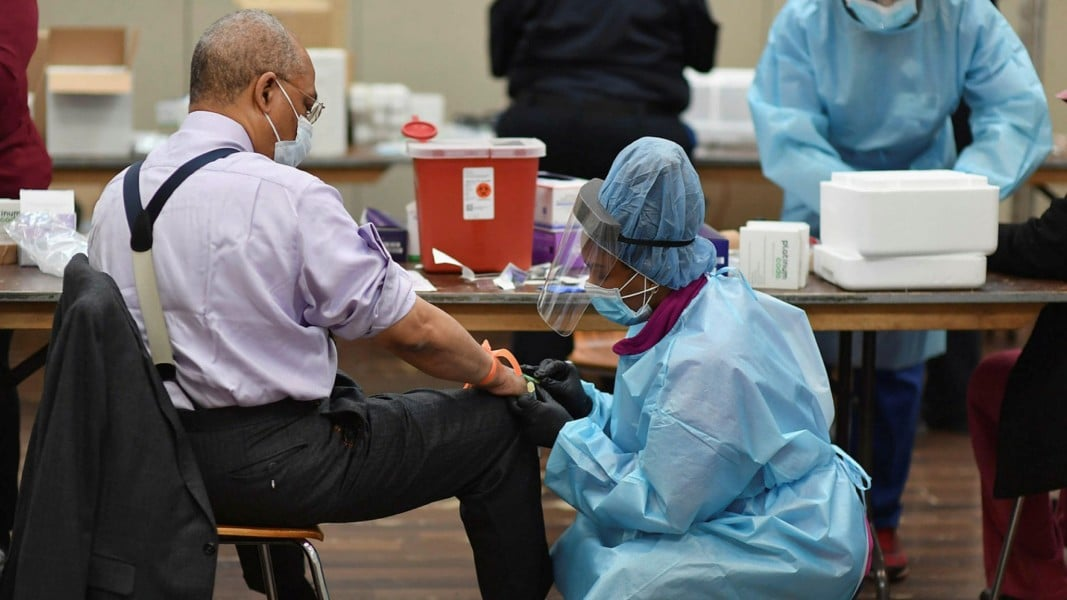 10,000 deaths from viruses as president launches help package