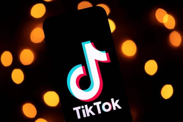 Amazon asks workers to uninstall TikTok from their mobile, and instead emails are sent in error